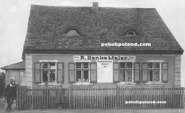 An old photograph of a shop in Poźrzadło (Spiegelberg NM), c.1924.