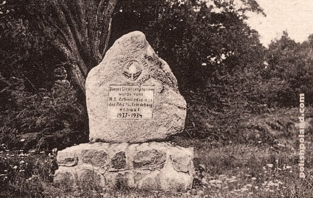 A photograph of a German monument in Dankow inscribed with the dates 1933 - 1934.